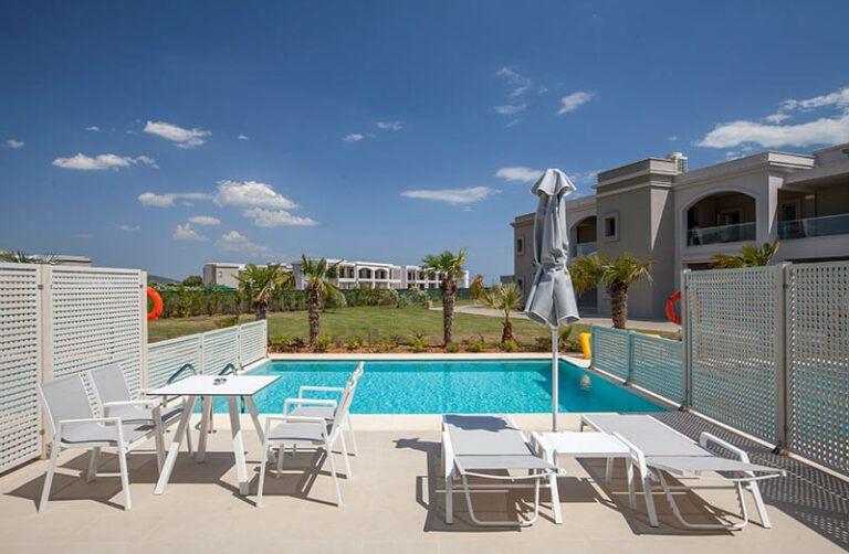 BLUE-LAGOON-Junior-Suite-Private-Pool
