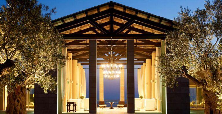 The-Romanos-Entrance-Costa-Navarino-1170x600